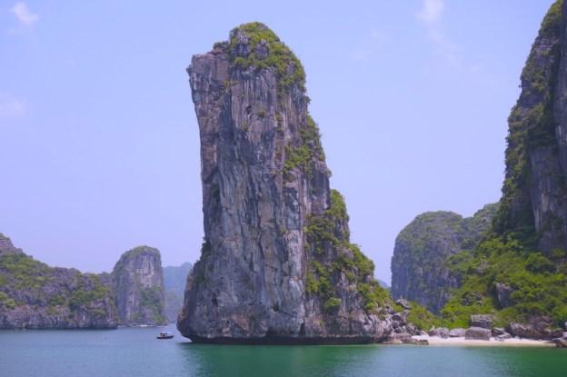 Baie d'Halong vietnam voyage tour du monde https://yoytourdumonde.fr