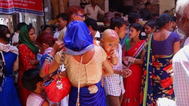 Temple Hindouiste à New Delhi photo blog voyage tour du monde https://yoytourdumonde.fr