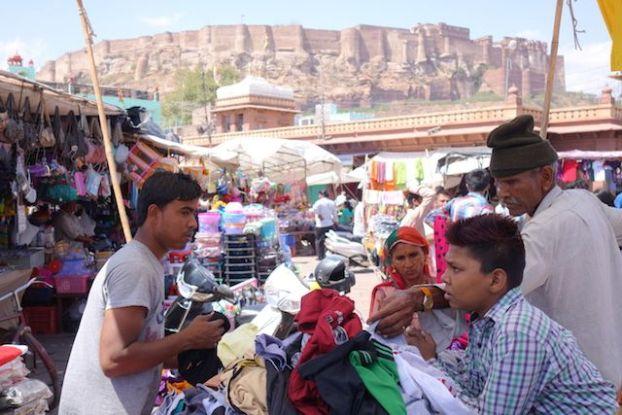 Sardar market jodhpur etat rajasthan magnifique achat epice vetement photo blog voyage tour du monde https://yoytourdumonde.fr