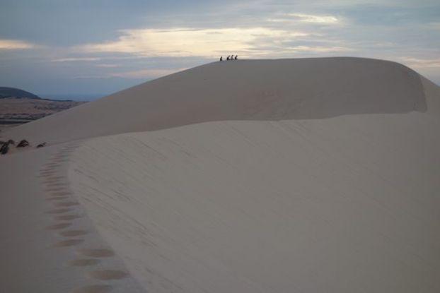 meditation dans le desert de Mui Ne dans le sud du vietnam site internet https://yoytourdumonde.fr