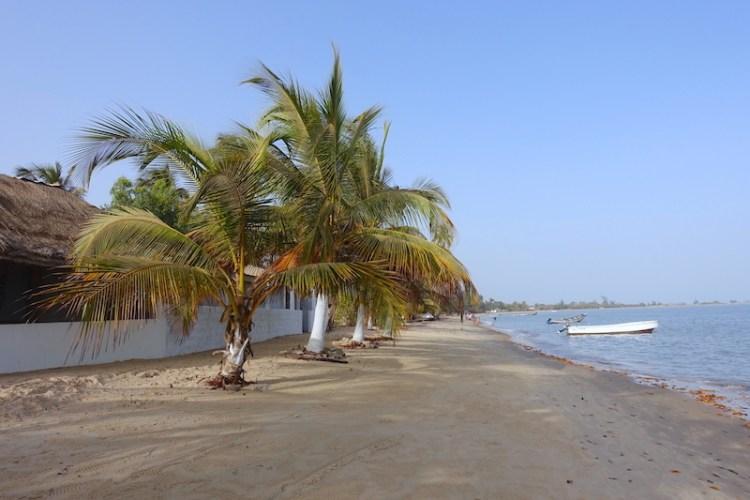 Plage de Carabane au Sénégal et Casamance photo blog voyage tour du monde https://yoytourdumonde.fr