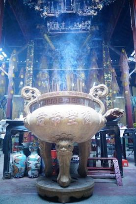 Il vous faut entrer dans les pagodas (temple) de Can Tho blog https://yoytourdumonde.fr