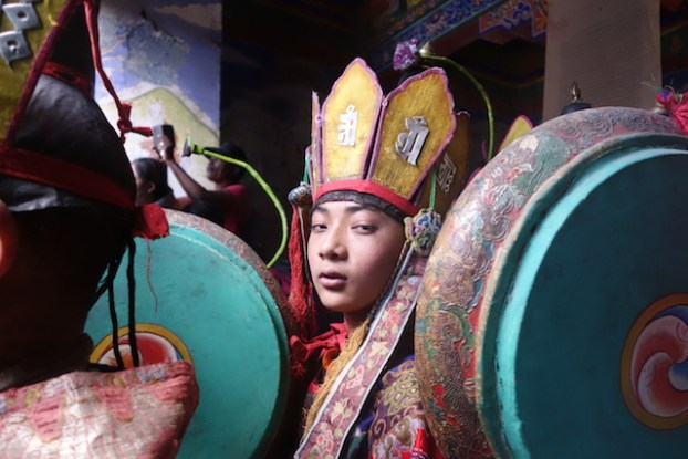 Moine bouddhiste ladakh photo blog voyage tour du monde https://yoytourdumonde.fr