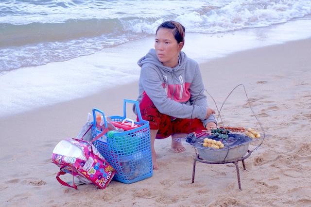Vous pouvez manger sur les plages de Nha Trang au Vietnam!