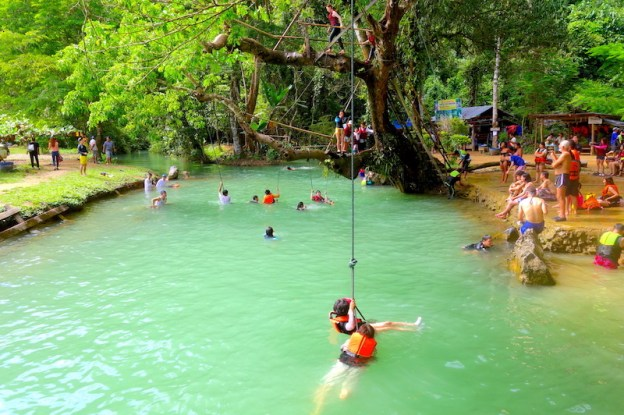 Le blue lagon van vian laos photo blog voyage tour du monde https://yoytourdumonde.fr