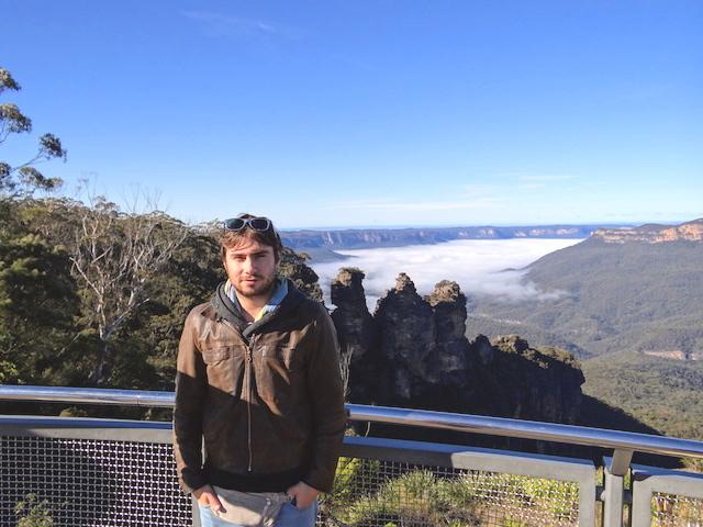 portrait Yohann Taillandier photo blog voyage tour du monde blue mountains https://yoytourdumonde.fr