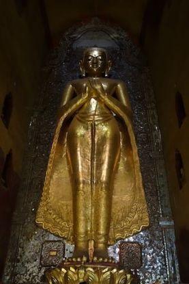 Bouddha du temple Temple de l'Ananda photo blog voyage tour du monde https://yoytourdumonde.fr