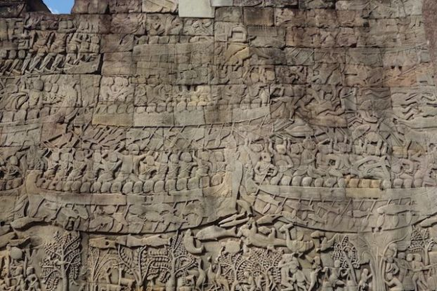 bas relief dans les temples d'Angkor photo blog https://yoytourdumonde.fr