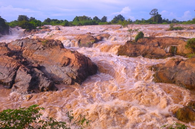 Mekong non praticable 4000 iles photo blog voyage tour du monde laos https://yoytourdumonde.fr