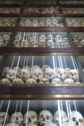 stupa priere du cote de killing fields au cambodge photo voyage blog https://yoytourdumonde.fr
