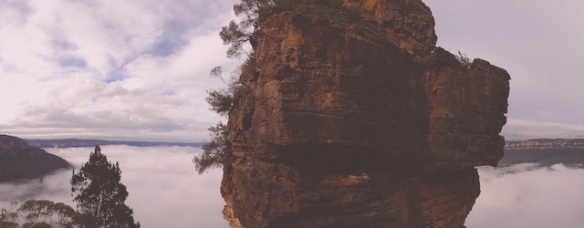 La légendes des Blues Mountains concerne les three sisters photo blog voyage tour du monde https://yoytourdumonde.fr