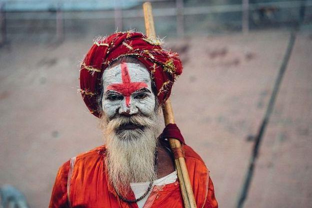 Varanasi est l'une des 7 villes Saintes de l'Hindouisme. Photo blog voyage tour du monde. Photo Judithscharnowsji. https://yoytourdumonde.fr