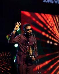 Kofi Kinaata at the VGMA 22 awards.