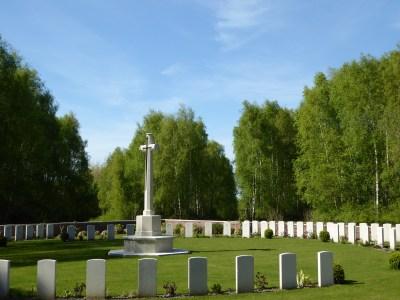 Hedge Row Cemetery ©YRH2016