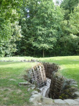Duitse loopgraven Bayernwald (Heuvelland) - German trenches Bayernwald (Heuvelland) ©YRH2016