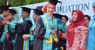 Elise, Pelajar AFS Asal Amerika Serikat Wisuda di SMA YPSA