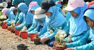 Siswa SD YPSA Edutour ke Green Farm Budaya Land