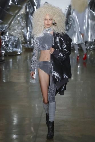 57d60dea20ba91473646058 w760 h1142 - The Blonds Spring Summer 2017 Womenswear @theblondsny @davidblond @phillipeblond @milkstudios @made #NYFW