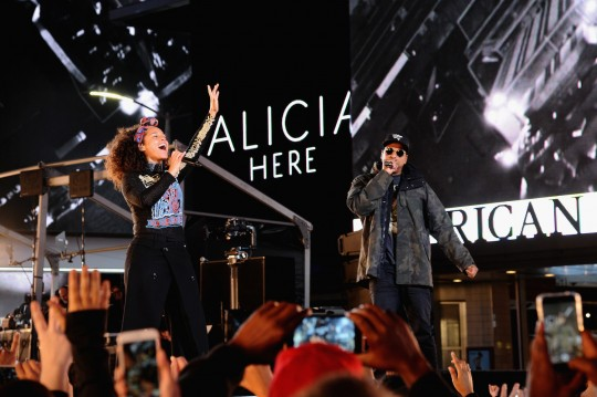 675455669KC00019 Alicia Key 540x359 - Event Recap: Alicia Keys Performs Concert in Times Square To Celebrate New Album #HERE @aliciakeys @QtipTheAbstract @Nas @JohnMayer @questlove