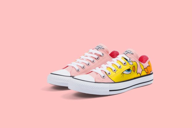 CN NY J17 004 TWEETYLOWsidebyside RGB 150DPI V2SIMPLE PINK 920x613 - #StyleWatch: @Converse Chuck Taylor All Star Looney Tunes collection