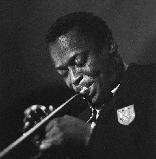 Miles Davis © Herman Leonard Photography LLC 540x552 - #VinylBase: Miles Davis: The Complete Birth of the Cool @milesdavis @NefofMiles @erindavisMDP #TheBirthoftheCool #milesdavis