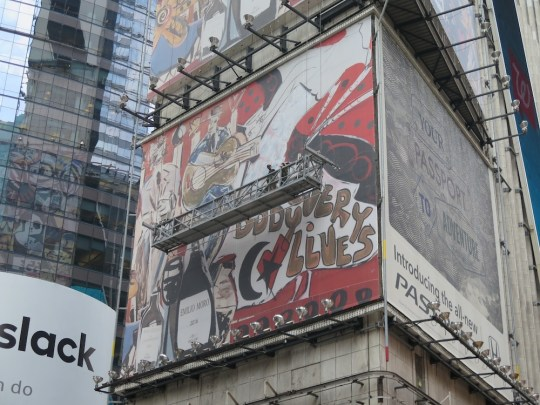Domingo Zapata Painting 1 Times Square 1 540x405 - Feature: Domingo Zapata completes of Largest Mural in NYC @domingozapata @IBEROSTAR_ENG #domingozapata