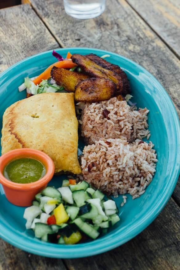 Santa Cruz patio Jamaican Caribbean Food drinks travel dogs pets family vacation Bay area boardwalk holiday road trip travelogue patio lunch brunch dinner meals dining al fresco