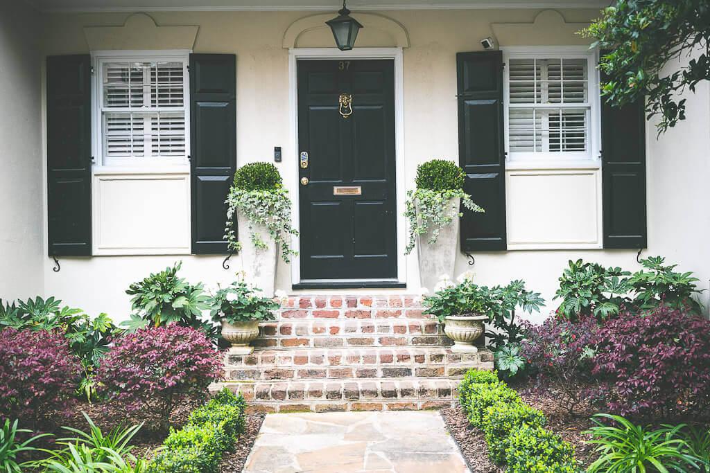 Charleston homes along east bay street