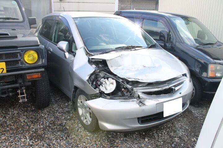 全損により事故車買取り