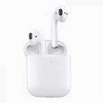 アップル、新型AirPods発表 ワイヤレスイヤホン