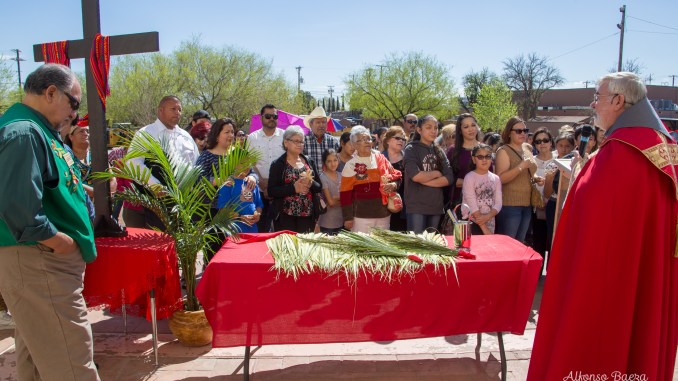 Photos from Palm Sunday – Ysleta Mission