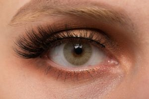 different way to clean false eyelashes