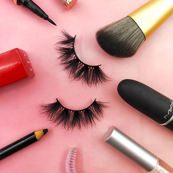 Real mink lashes from false eyelash vendor