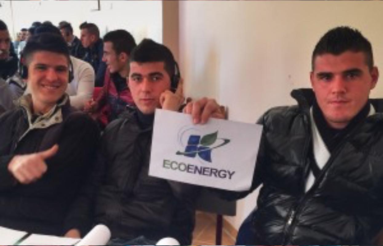 Image: Students Albania