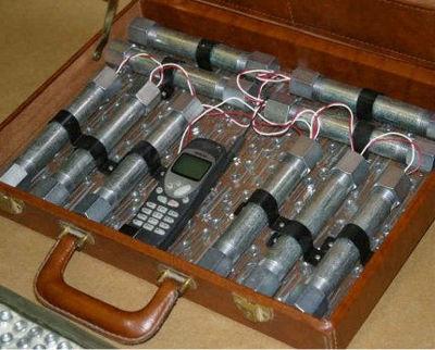 自爆テロ爆弾