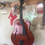 バイオリン族の様なアーチトップギター『完成!』ピックギターってなんでしょう?