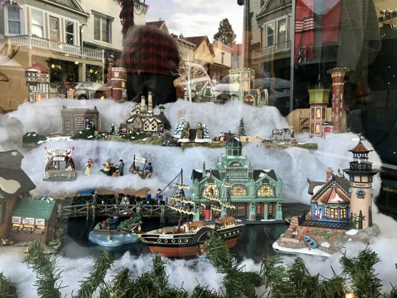 This Year Nevada City Welcomes Dickens To Victorian Christmas Yubanet