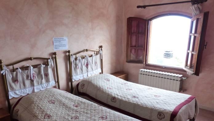 dormitorio-ventana-abierta