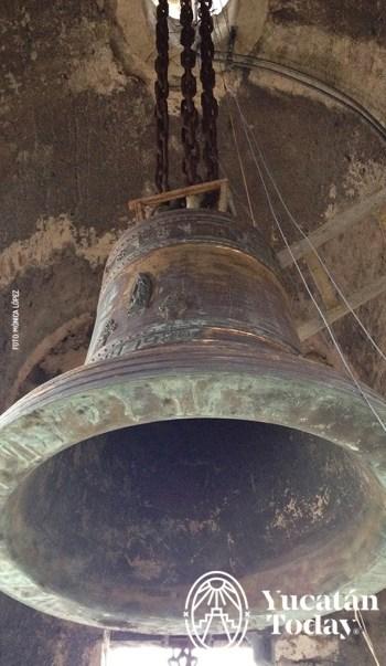 Merida catedral campana
