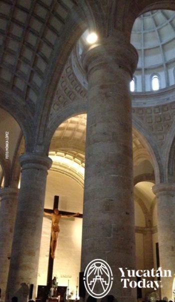 Merida catedral interior