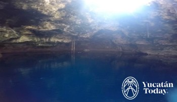 Cenote Xpakay adentro