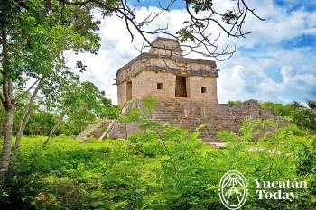 Dzibilchaltun templo de las siete munecas