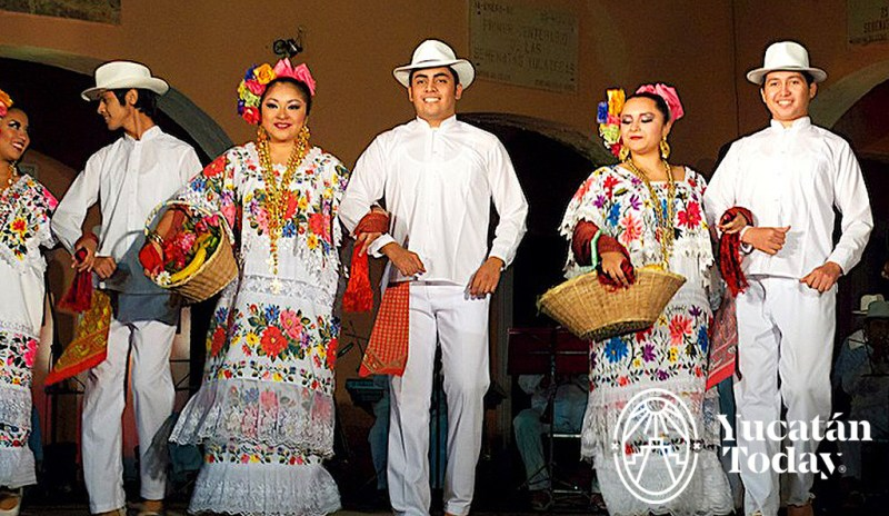 Serenata / Yucatecan Dance @ Parque Santa Lucía | Mérida | Yucatán | México
