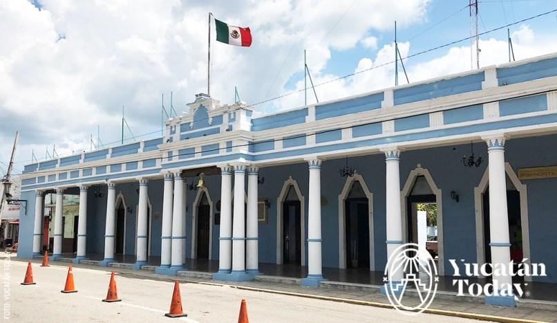 Hunucma-Palacio-Gobierno-by-Andrea-2018