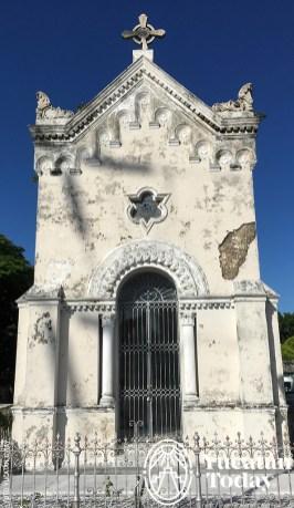 avenida-de-los-mausoleos-mausoleo-eclectico-cementerio-general