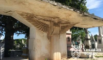 avenida-de-los-sindicatos-neoegipcio-cementerio-general