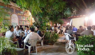 Merida English Library Conversaciones con Amigos