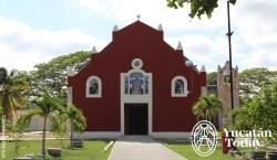 Iglesia Nuestra Señora de la Candelaria en Yaxkukul