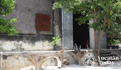 Muebles-en-Transito-entrance-by-Claudia-Amendola