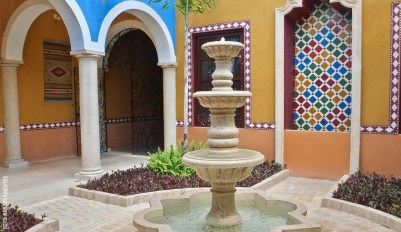 Casa-Cinco-BAI-House-Tour-Fountain-Fuente-y-Arcos-Arches-by-BAI